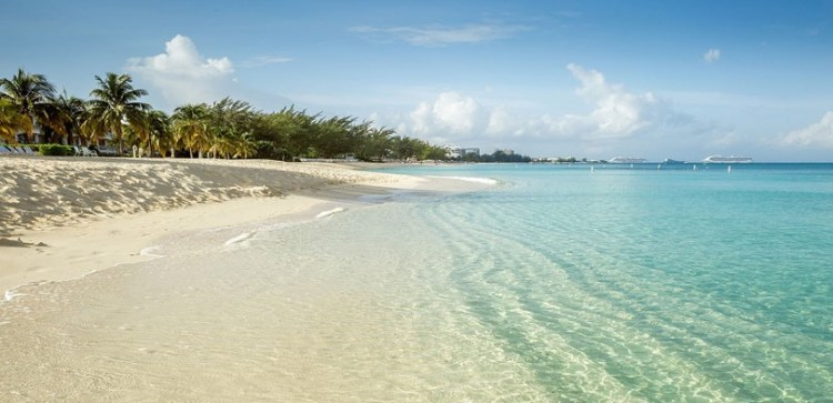 Seven Mile Beach_Cayman Islands1