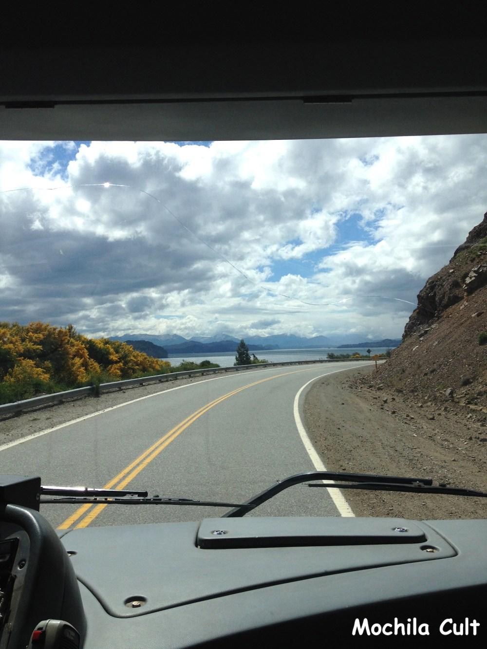 A estrada de Bariloche a V. la Angostura é linda