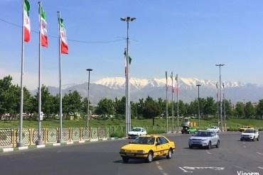 Palácios, natureza e teleférico em Teerã
