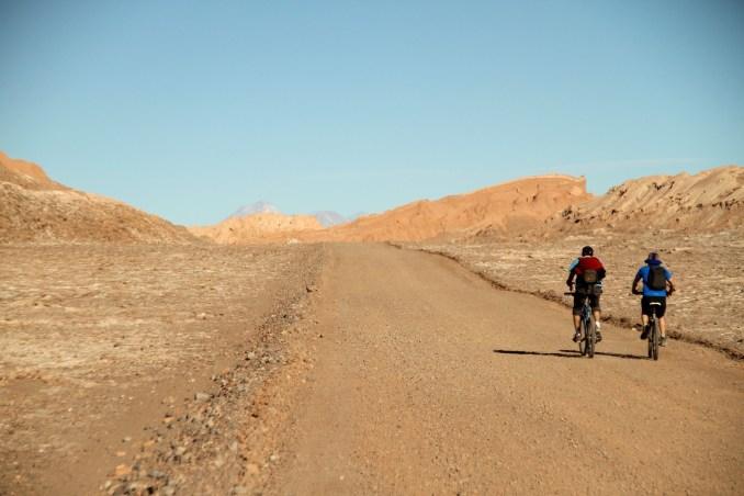 Passeios de bicicleta no Valle de la Luna (foto: Eduardo Vessoni)