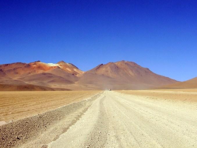 Deserto de Dalí, um dos endereços mais impactantes do roteio de quatro dias que cruza o Salar de Uyuni, na Bolívia, em direção ao Atacama, no Chile Saiba mais (foto: Eduardo Vessoni)