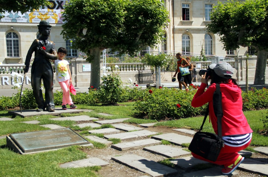 Estátua em homenagem a Chaplin, em Vevey, na Suíça (foto: Eduardo Vessoni)