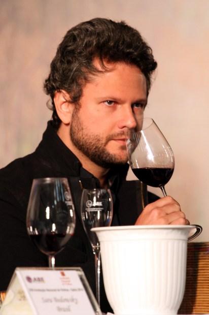 Selton Mello durante a 22ª edição da Avaliação Nacional de Vinhos que aconteceu em Bento Gonçalves, no Rio Grande do Sul (foto: Eduardo Vessoni)