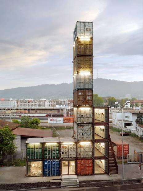 Vista da loja Freitag, em Zurique, na Suíça (foto: Roland Tännler/Freitag)