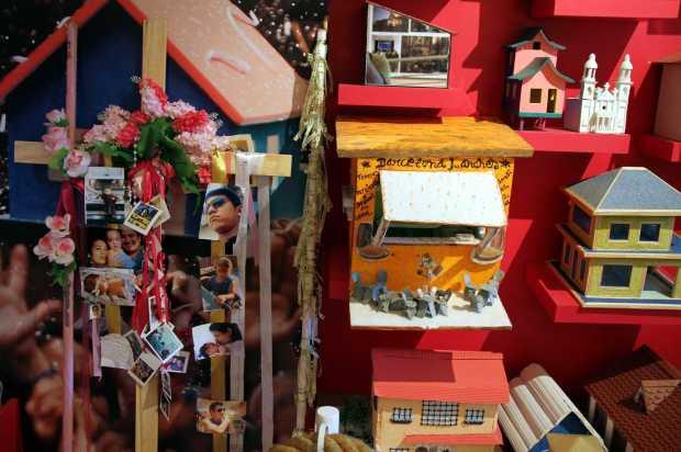 Fotos e objetos para promessas fazem parte do acerbo do museu Memória de Nazaré, em Belém, capital do Pará (foto: Eduardo Vessoni)