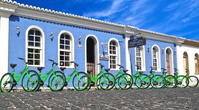 Porto Seguro é ponto de partida de pedaladas e trekking até Caraíva, no sul da Bahia (foto: Bahia Active/Divulgação)