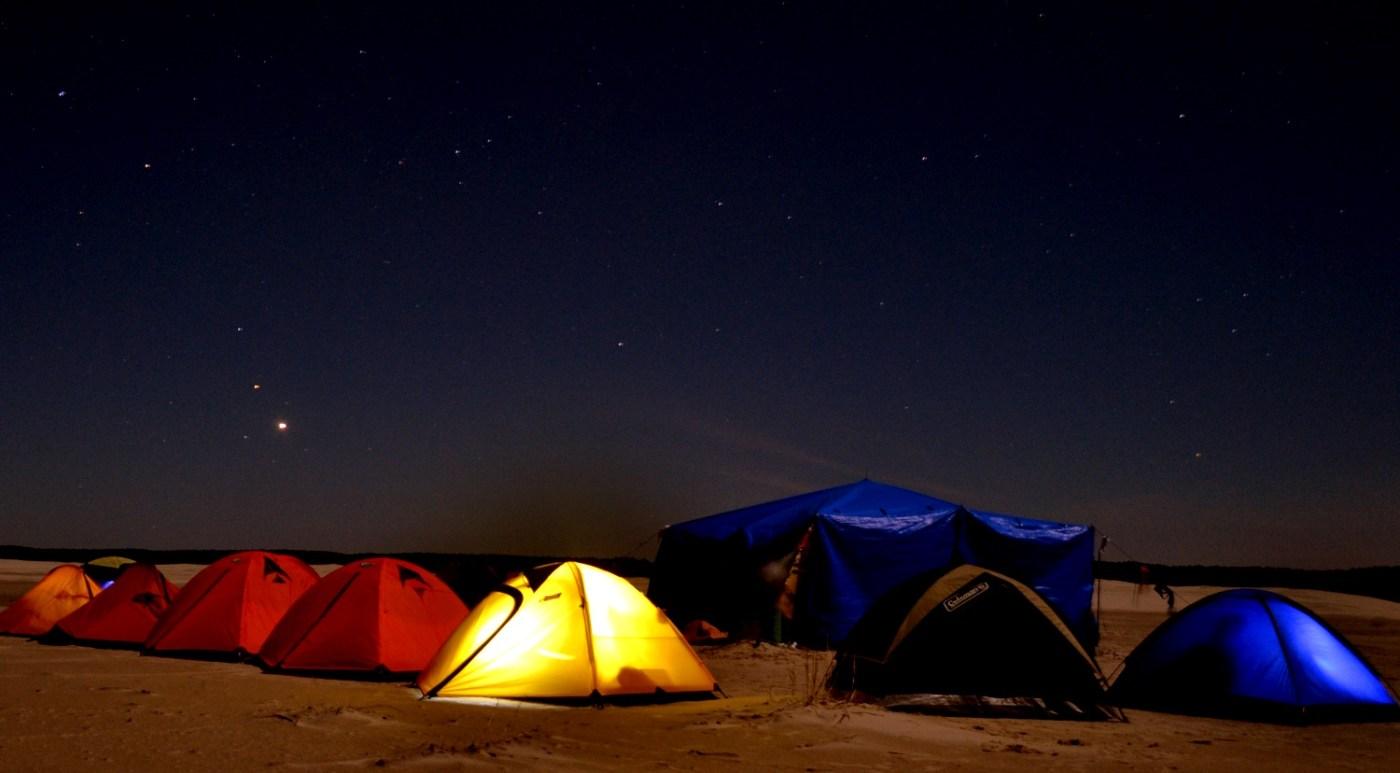 Acampamento selvagem na Praia do Cassino (foto: Roraima Adventures/Divulgação)