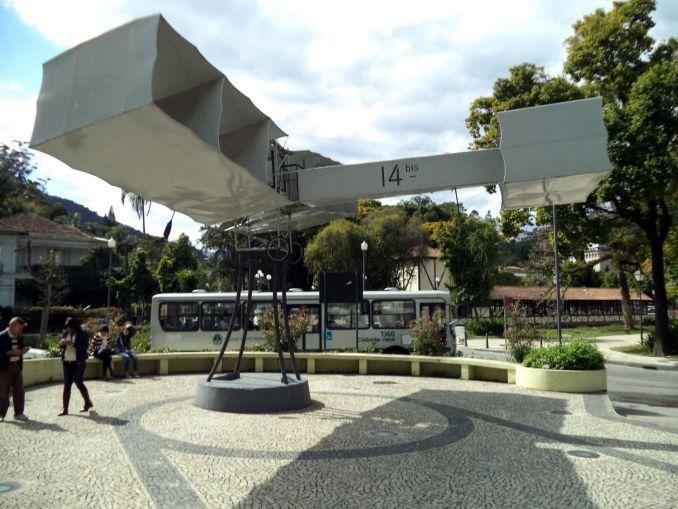 Praça 14-Bis, em Petrópolis (foto: Wikipedia Commons)