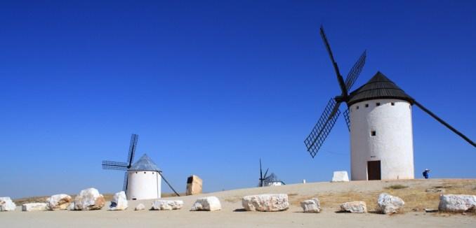 Vista dos moinhos de Campo de Criptana (foto: M.Peinado/Flickr-Creative Commons)