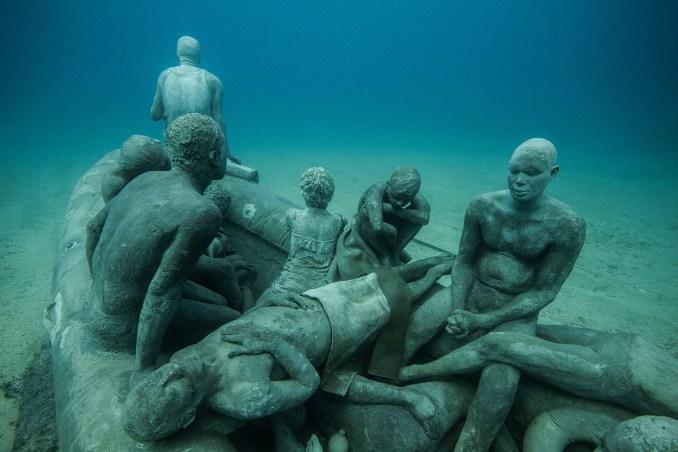 """""""La Balsa de Lampedusa"""", uma das obras do Museo Atlántico,em Lanzarote, nas Ilhas Canárias (foto: Divulgação)"""