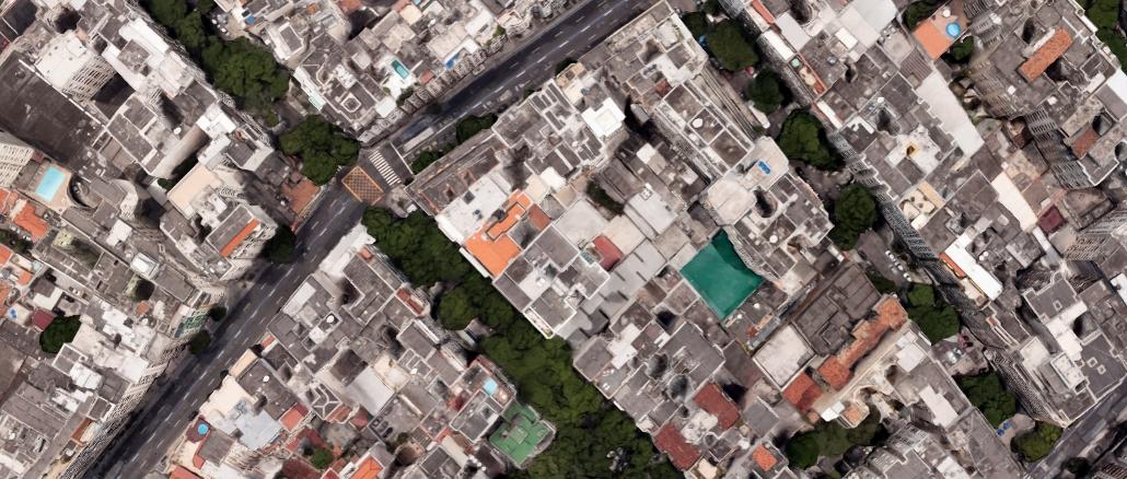 Esquina da Barata Ribeiro com Constante Ramos, em Copacabana (imagem: Google Maps)