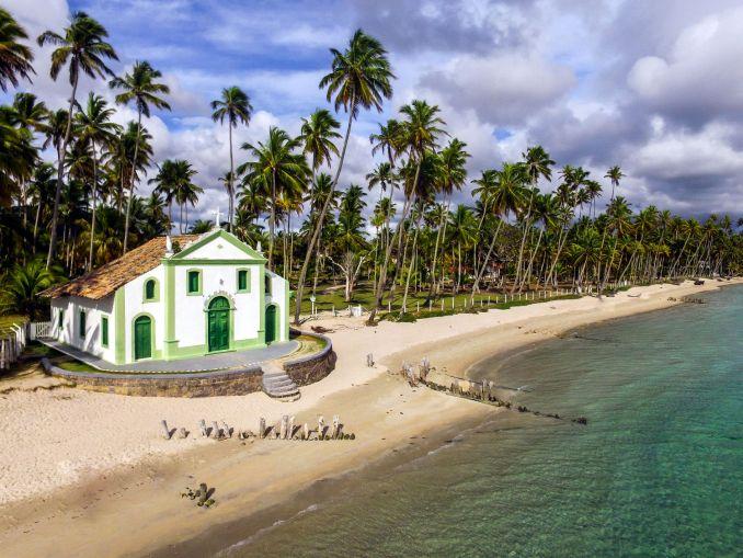 Praia dos Carneiros, em Tamandaré, no litoral sul de Pernambuco (foto: Edmar Paz/EMPETUR)