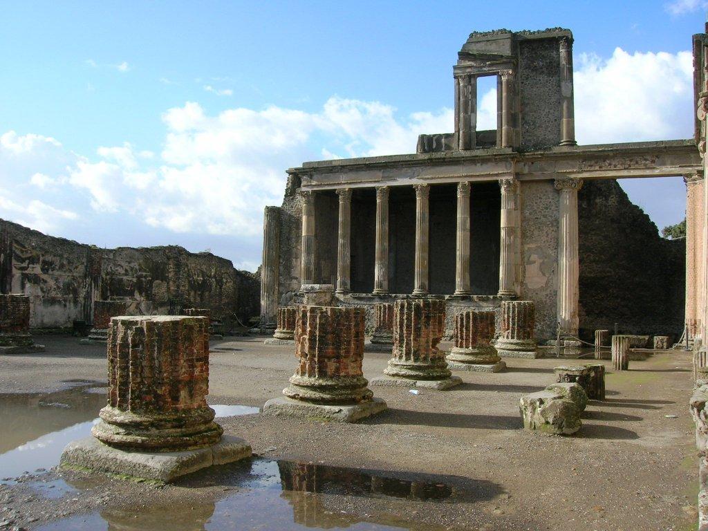 Basílica da antiga cidade de Pompeia.