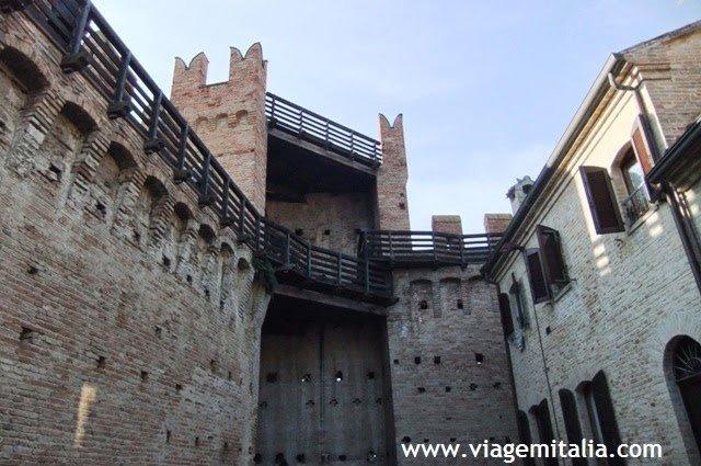 Castelo e burgo de Gradara, na Itália