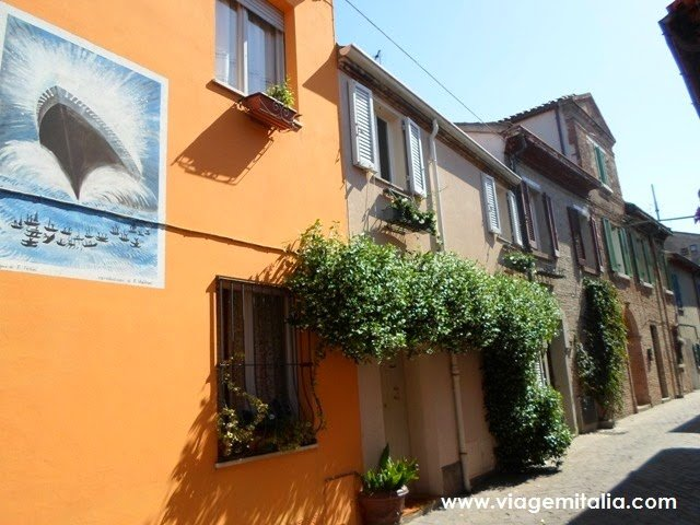 O pequeno e colorido burgo de San Giuliano, Rimini, Emilia-Romagna