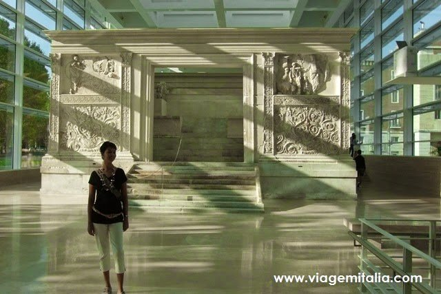 Museu de Ara Pacis em Roma