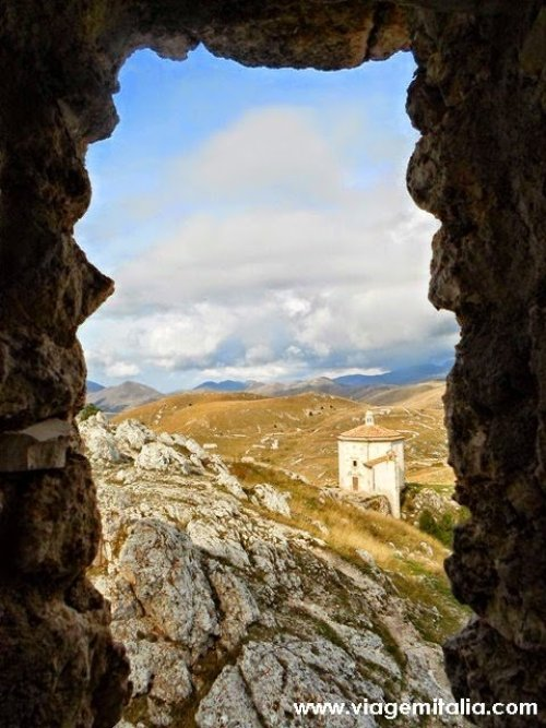 Castelos-mais-bonitos-mundo--Castelo_Rocca-Calascio_Italia3