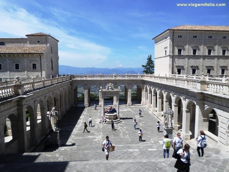 Mosteiro de Monte Cassino, Itália