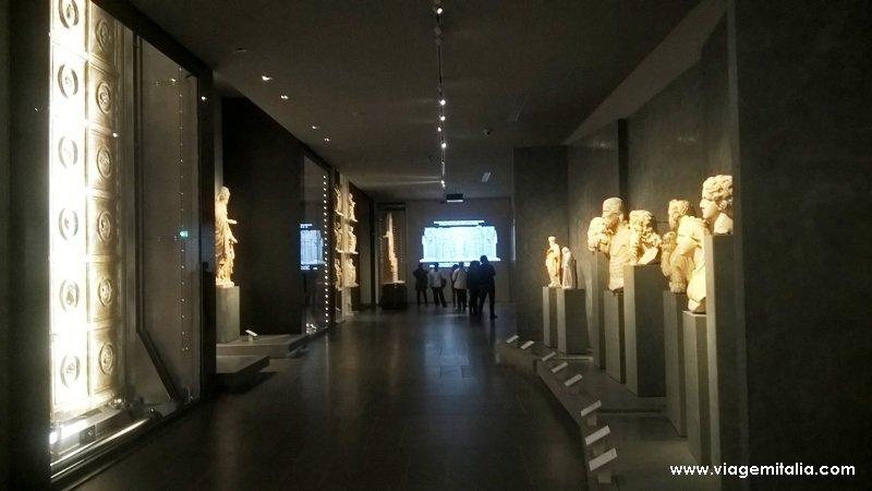 Salas do Museu Opera do Duomo, Florença, Toscana, Itália