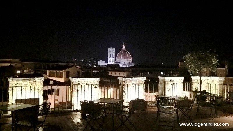 Visão noturna da Cúpula de Brunelleschi, florença.