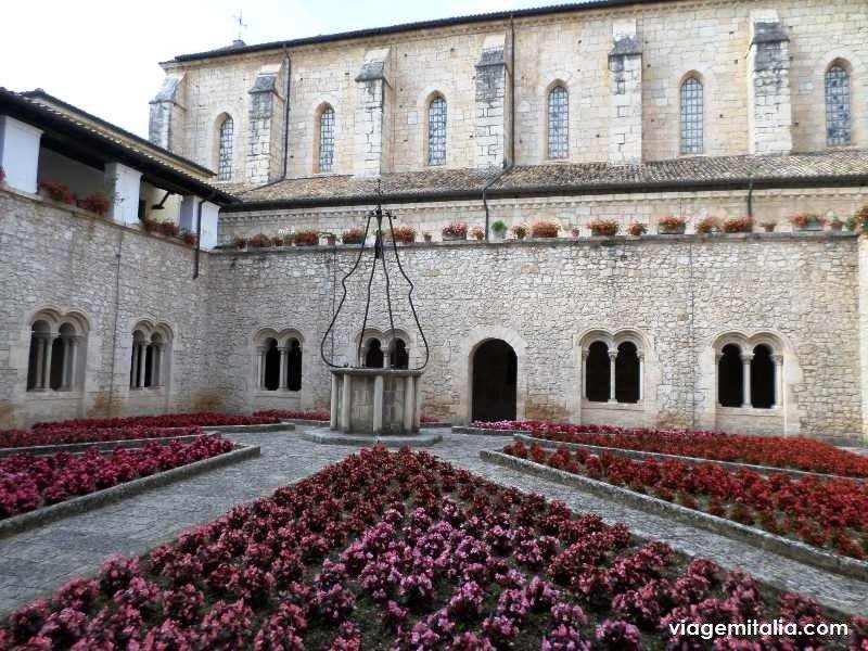 Dica de bate-volta de Roma: conheça a maravilhosa Abadia de Casamari, Veroli