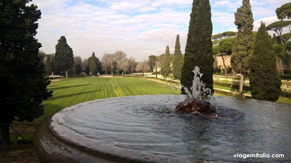 🌳 A beleza dos parques verdes de Roma com seus encantos culturais