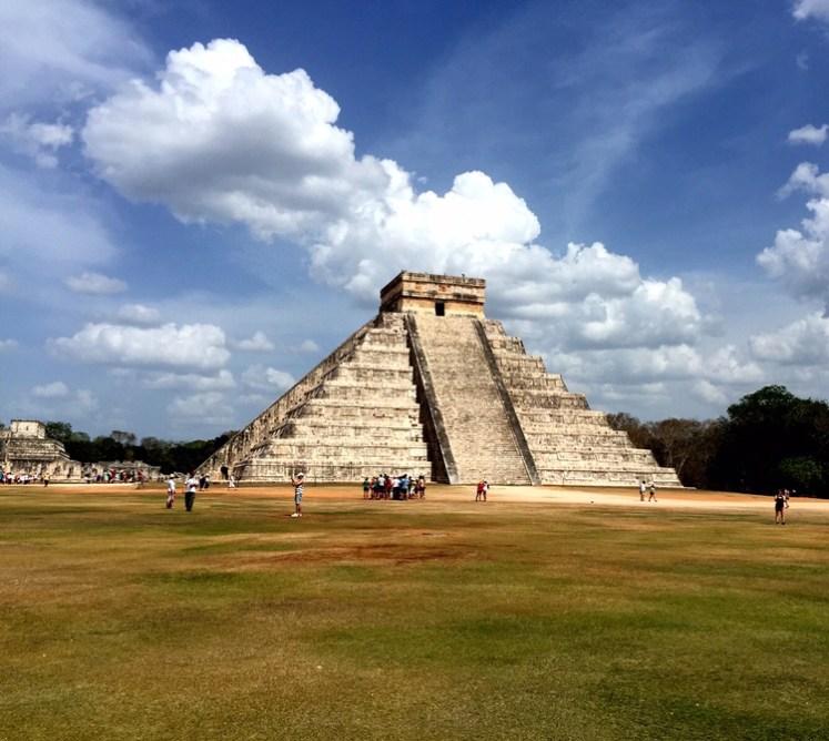 Pirâmide de Kukulcán - Tudo bolado estrategicamente nos mínimos detalhes pelos maias.