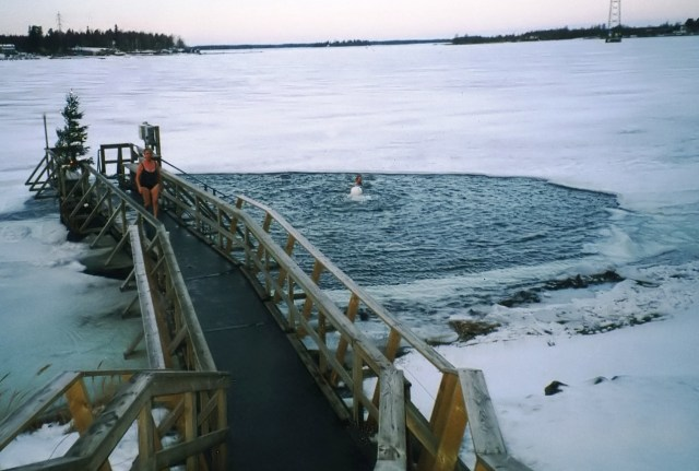 ice swimming 3