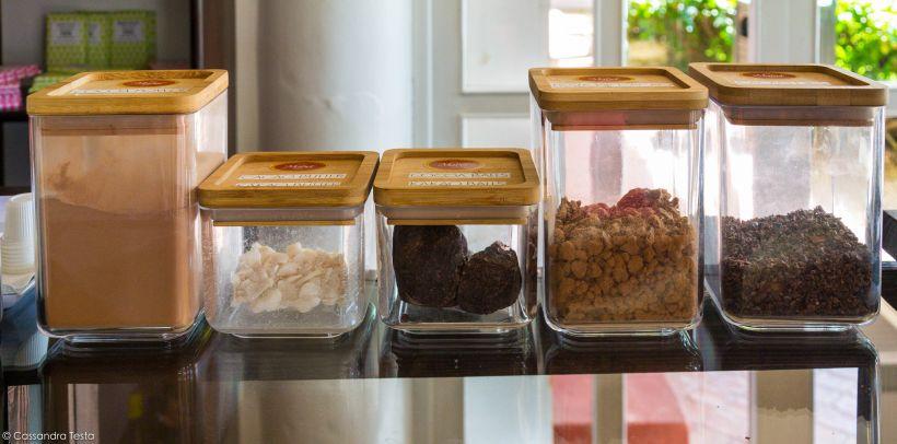 Diverse fasi della lavorazione del cacao