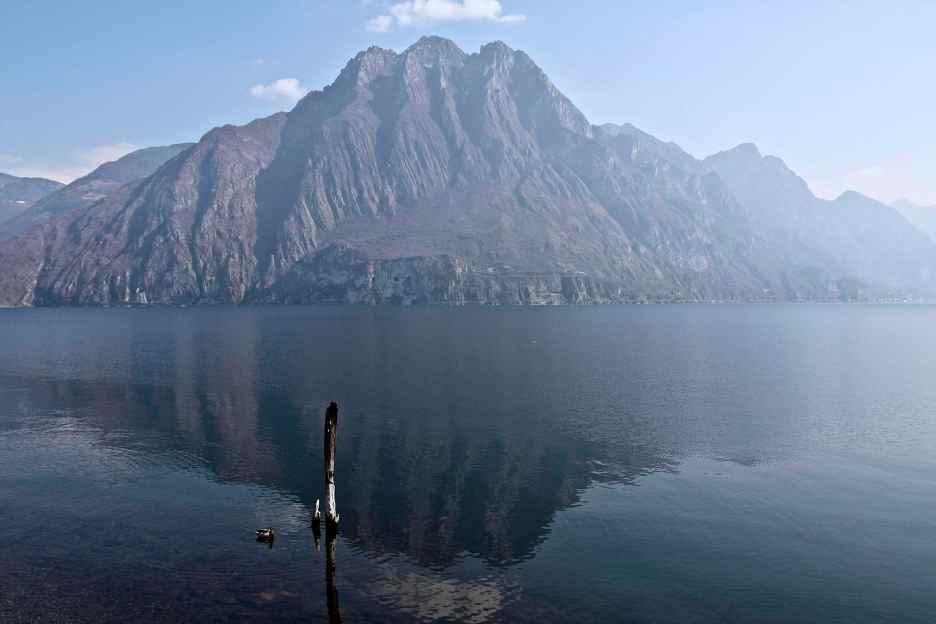 scorcio sul lago dalla sponda bergamasca