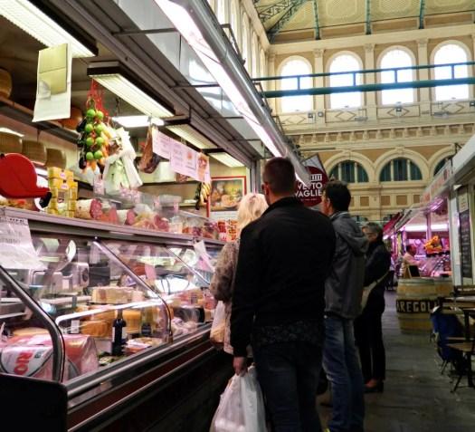 Banchi al Mercato Centrale di Livorno.