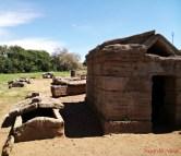 Tomba a edicola detta del bronzetto offerente, nel parco archeologico di baratti.