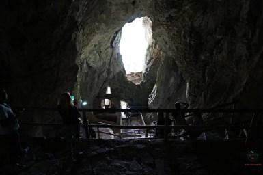 Grotta dietro al Castello di Predjama.