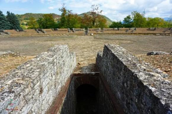 anfiteatro romano dell'antica libarna.