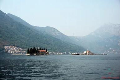 cosa vedere a kotor e nei suoi dintorni: l'Isola di San Giorgio e dello Scalpello, Perast, Montenegro.