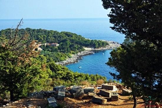 panorama dal fort royal sull'isola di lokrum.
