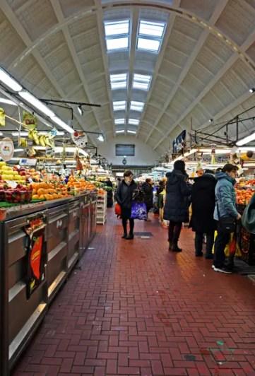 mercato di piazza terralba a genova.