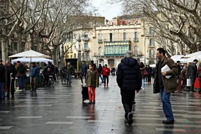 camminare per le sue strade è una delle cose da fare nella cittadina catalana di figueres.