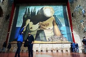 Interno del Teatro Museo Dalì a Figueres.
