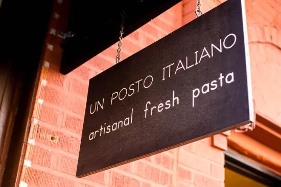 Un posto italiano, an Italian store in Brooklyn. © Christopher Lehnert