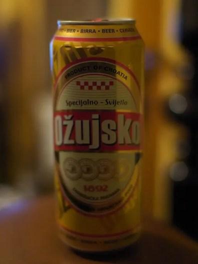 Vuoi sapere quali birre bere nei balcani? Una è la ozujsko croata. By Damian Steer [Public domain], via Wikimedia Commons