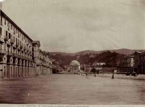 Immagine d'epoca raffigurante la Chiesa della Gran Madre di Dio di Torino.