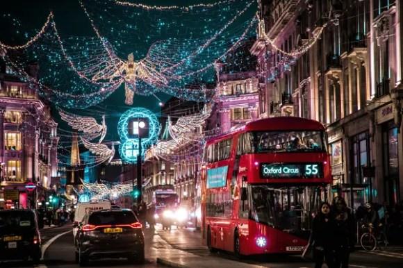 Londra a Natale come in Love Actually, uno dei film di natale da vedere assolutamente.