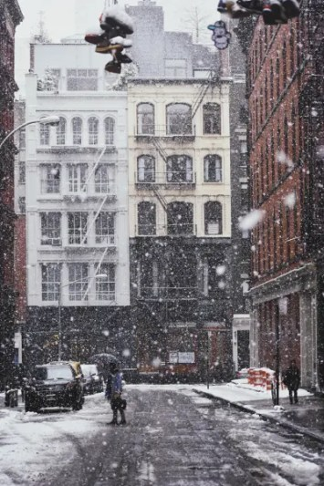 New York sotto la neve come in un film di natale.