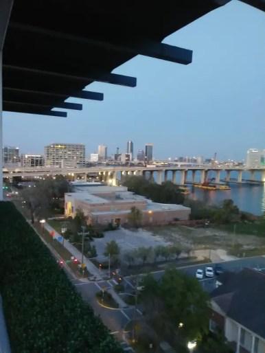 Se vuoi visitare Jacksonville in Florida devi salire al River & Post Restaurant per goderti il panorama.