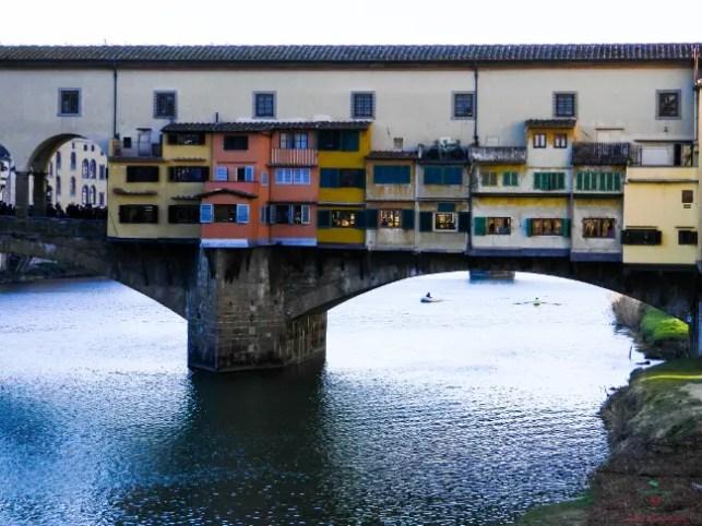 Una delle cose che non puoi perderti se vuoi visitare Firenze è il Ponte Vecchio.