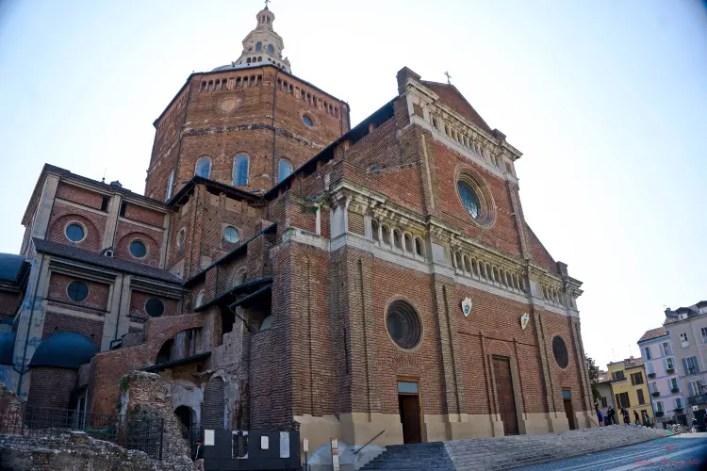 Cosa vedere a Pavia: il duomo.