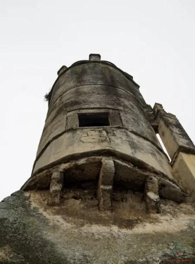 Gargano cosa vedere: La torre del Castello svevo di Carpino.
