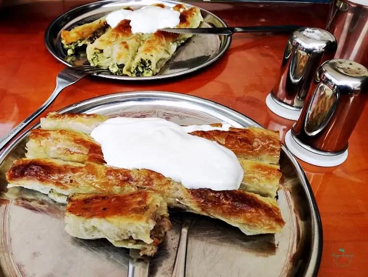 Cosa mangiare a Sarajevo: il burek.