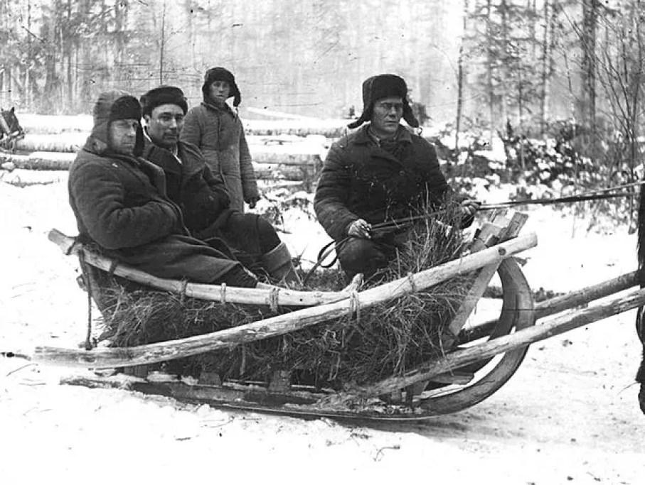 Prigionieri al lavoro in un Gulag. https://commons.wikimedia.org/wiki/File:Gulag_prisoners_at_work_1936-1937.jpg